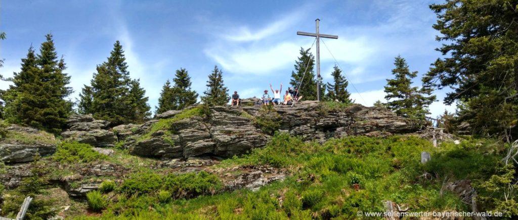 arber-wandern-kleiner-berg-gipfel-bayerischer-wald-highlights