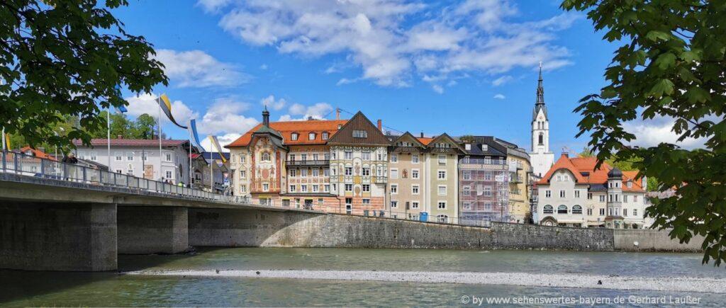 Isarpromenade Bad Tölz Pfarrkirche mit sehenswerten Häusern