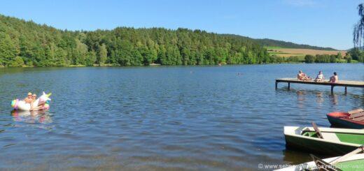 blaibacher-see-freizeitangebote-kanu-boot-fahren-bayerischer-wald