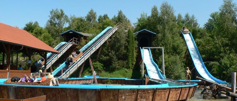 Deutschland Freizeitpark Bayernpark Reisbach Wasserrutsche