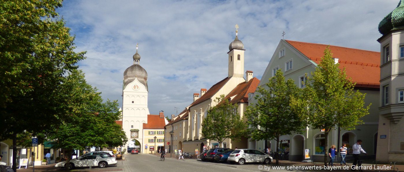 erding-sehenswürdigkeiten-stadtplatz-ausflugsziele-kirche-bayern