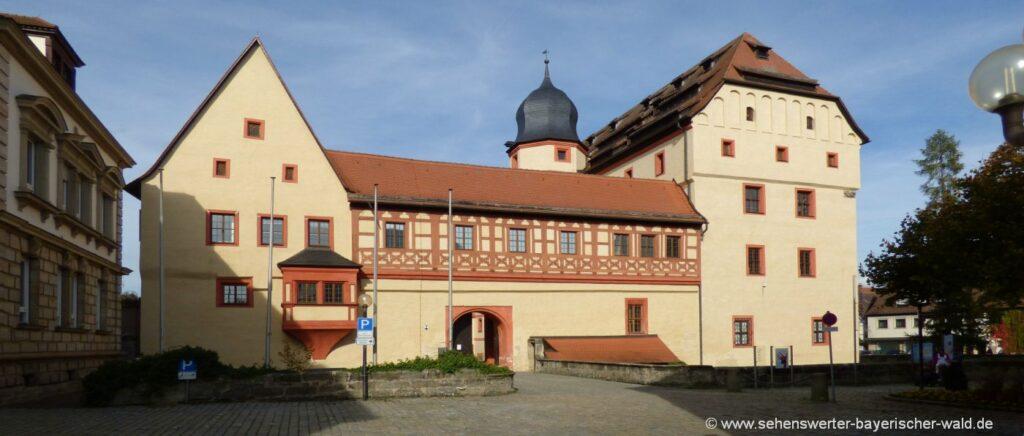 forchheim-kaiserpfalz-ausflugsziele-freizeit-attraktionen