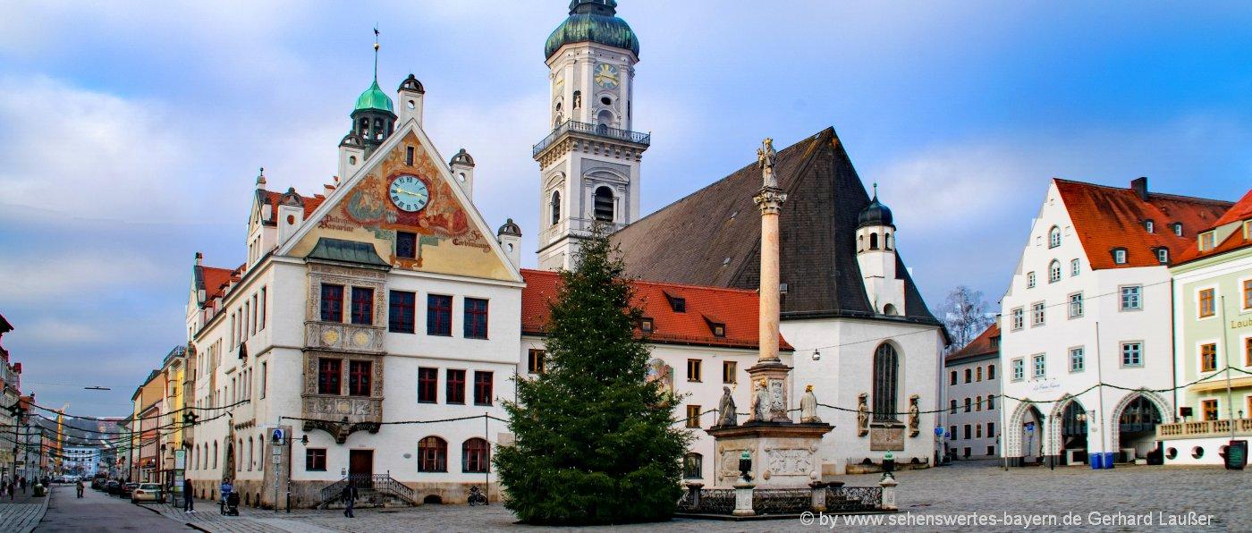 freising-sehenswürdigkeiten-marienplat-rathaus-pfarrkirche-städtereisen