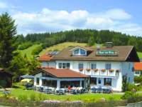Bayern familienfreundliches Hotel am Berg Ansicht