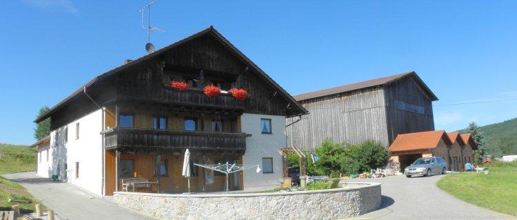 Hausansicht vom Bergbauernhof für Gruppen in Deutschland