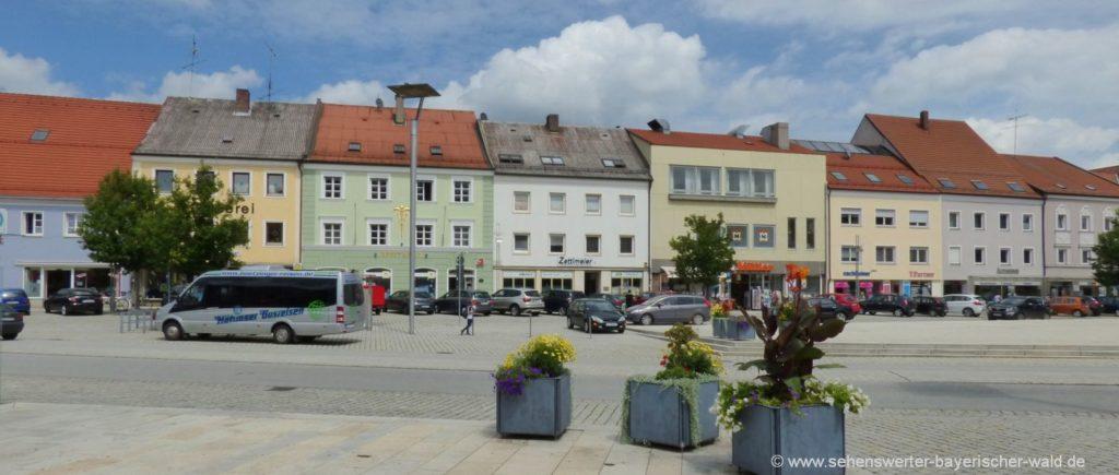 Sehenswürdigkeiten Osterhofen Stadtplatz Ansicht Ausflugsziele