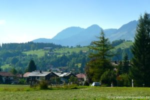 reit-im-winkl-chiemgau-ausflugsziele-dorfeinfahrt-sehenswertes-alpenpanorma