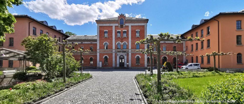 Sehenswürdigkeiten in Rosenhheim - Highlights das Rathaus