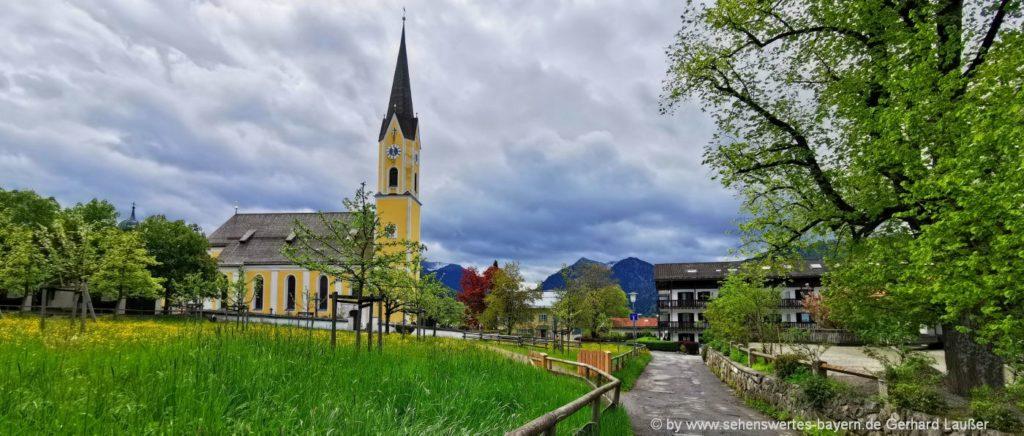 Sehenswürdigkeiten am Schliersee Pfarrkirche St. Sixtus in Schliersee
