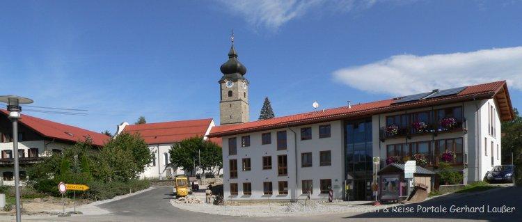 Sehenswürdigkeiten in Drachselsried Ortsansciht mit Kirche