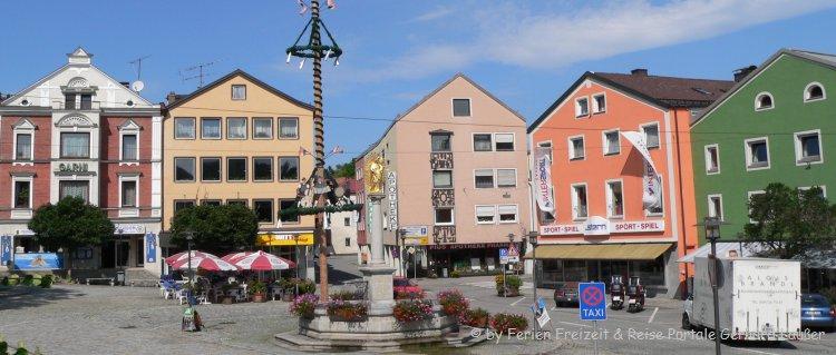 Sehenswürdigkeiten in Regen Stadt im Bayerischen Wald - Bild vom Stadtplatz