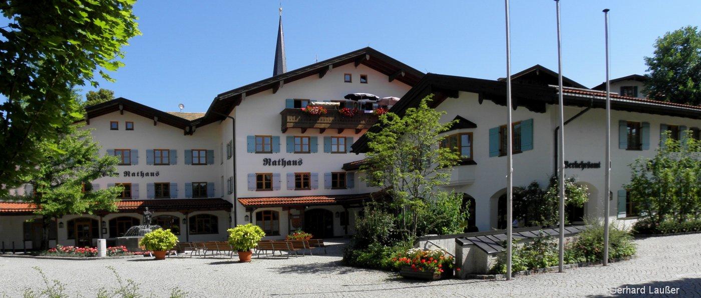 siegsdorf-sehernswuerdigkeiten-rathaus-ausflugsziele-tourismus-information