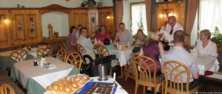 Urlaub im Gasthof Bayern Wirtshaus Stube